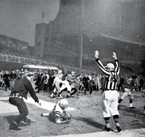 Football: championship. Baltimore Colts Alan Ameche (35) in action, scoring winning TD during overtime vs New York Giants. View of official at Yankee Stadium. Bronx, NY 12/28/1958 MANDATORY CREDIT: Hy Peskin/Sports Illustrated SetNumber: X5605