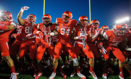 HOUSTON, TX - NOVEMBER 14:  Houston Cougars prepare to take on the Memphis Tigers on November 14, 2015 in Houston, Texas.  (Photo by Bob Levey/Getty Images)