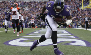 BALTIMORE, MD - SEPTEMBER 27: Wide receiver Steve Smith #89 of the Baltimore Ravens scores a fourth quarter touchdown during a game against the Cincinnati Bengals at M&T Bank Stadium on September 27, 2015 in Baltimore, Maryland. (Photo by Rob Carr/Getty Images)