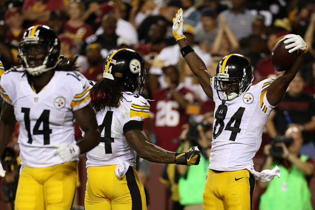 Antonio Brown och DeAngelo Williams hade lekstuga. (Photo by Rob Carr/Getty Images)