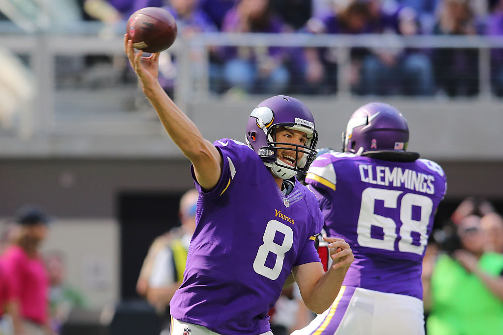 Sam Bradford dominerar med sitt Vikings. Foto av: Adam Bettcher/Getty Images.