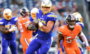 SAN DIEGO, CA - OCTOBER 13:  Hunter Henry #86 of the San Diego Chargers runs with the ball after his catch during the first quarter against the Denver Broncos at Qualcomm Stadium on October 13, 2016 in San Diego, California.  (Photo by Harry How/Getty Images)