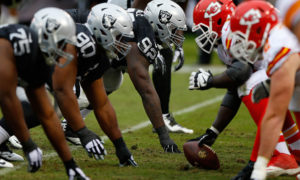 OAKLAND, CA - DECEMBER 06:  The Oakland Raiders line up against the Kansas City Chiefs during their NFL game at O.co Coliseum on December 6, 2015 in Oakland, California.  (Photo by Jason O. Watson/Getty Images)