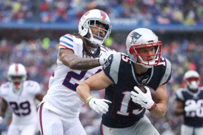 Chris Hogan #15 och Stephon Gilmore #24 är två f.d Buffalo Bills - spelare som förstärkt Patriots. Foto av: Tom Szczerbowski/Getty Images.